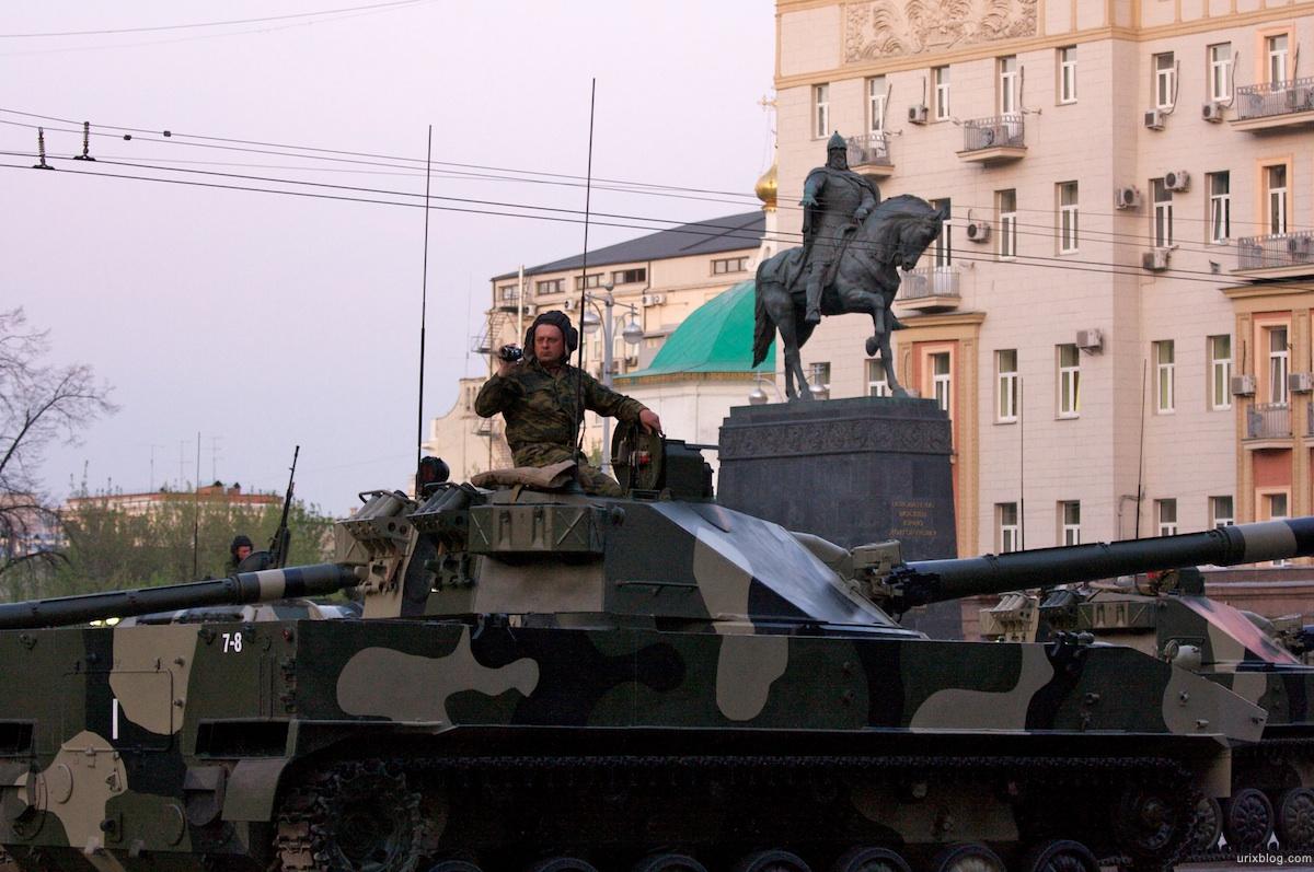 2009 репетиция парада 9-Мая Москва танки бронетехника город ночь Россия