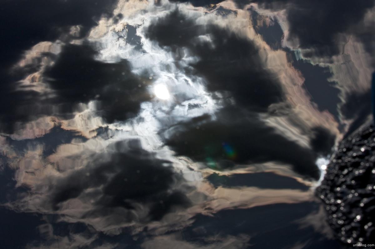 2009 река Дубна сплав Россия путешествие катамаран лодка отражение неба в воде
