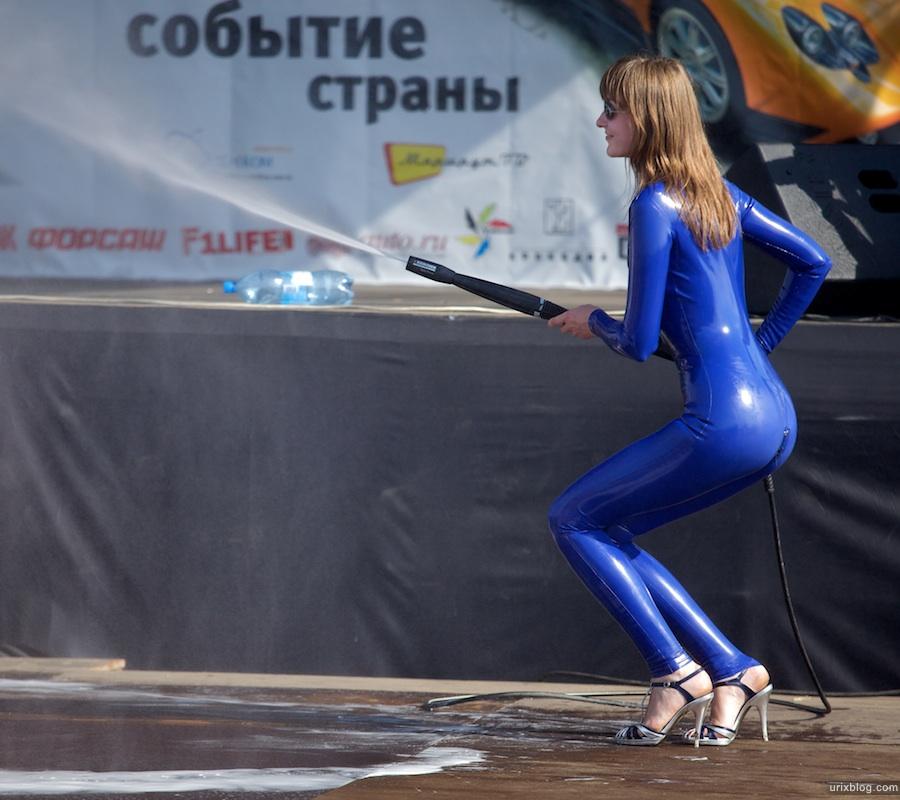 2009 Москва Автоэкзотика машины автомобили девушки танцовщицы girls грязь