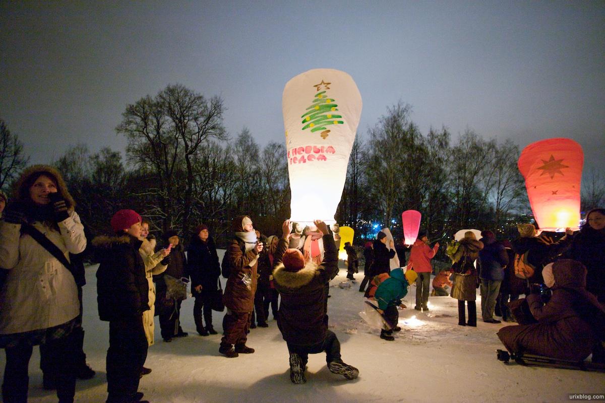 2010 flying lanterns зима Летающие фонарики на смотровой МГУ Воробъёвы горы Москва