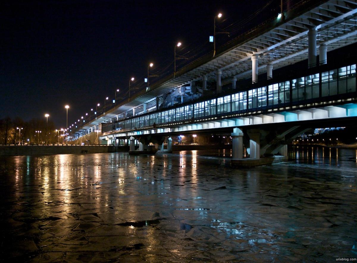 2010 под станцией ВоробъёвыГоры МГУ набережная лёд река зима, Москва