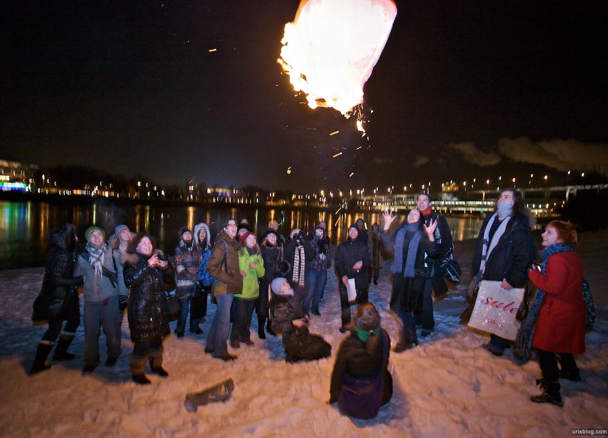 2010 Летающие фонарики подсмотровой смотровая площадка МГУ воробъёвы горы набережная, Москва