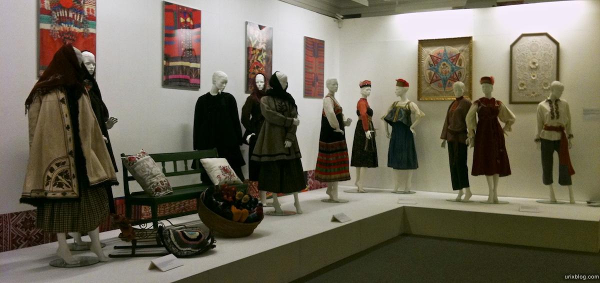 2011 выставка про вышивку Зураб Церетели Москва