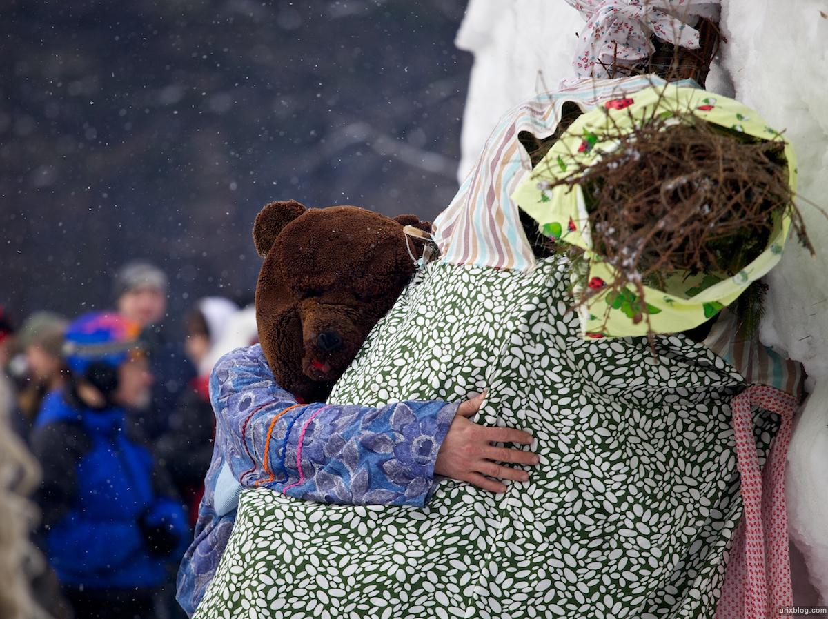 Россия Бакшевская Масляница, 2011, медведь, масленица
