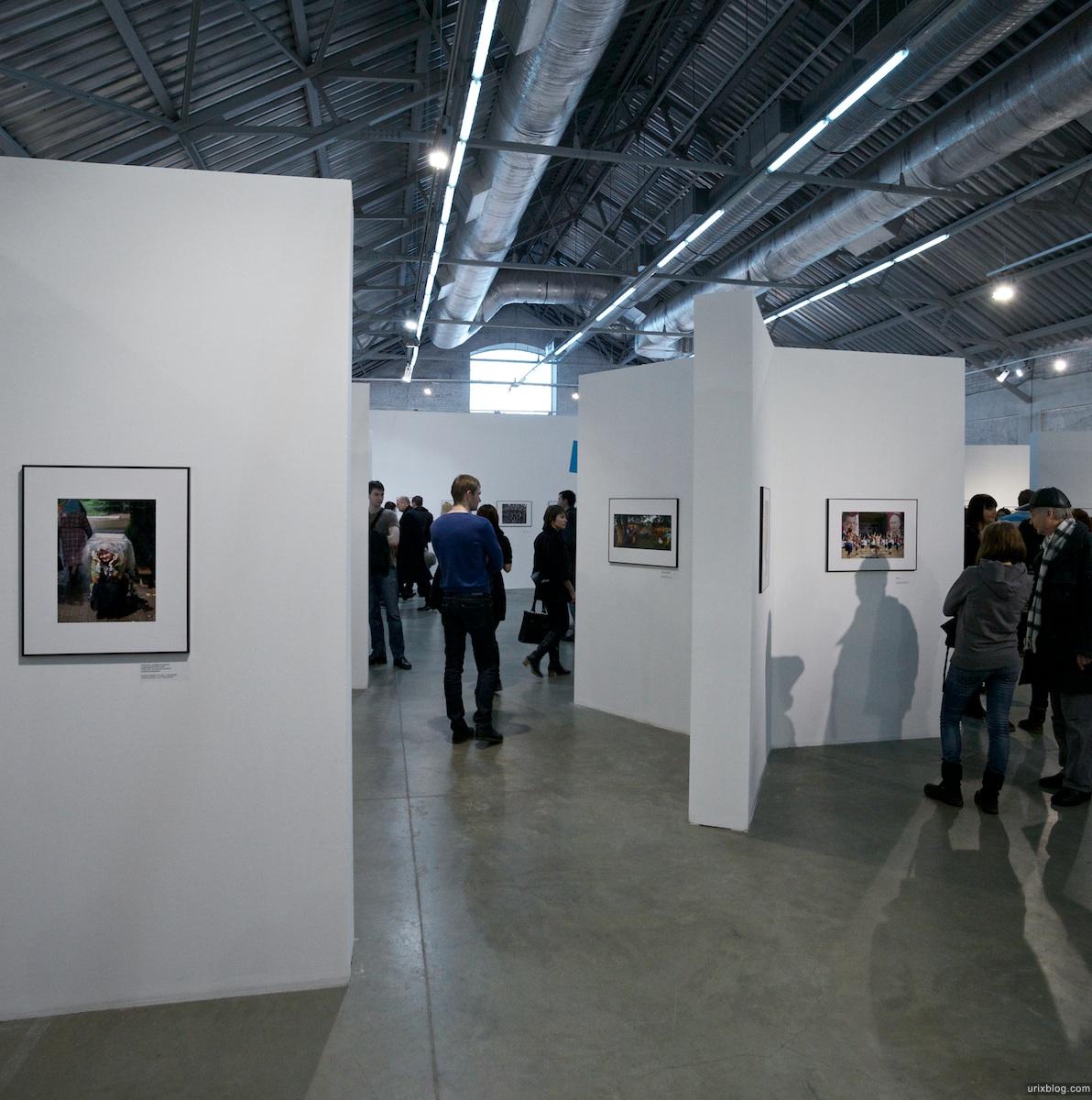 2011 Лучшие фотографии России 2010, зал, Винзавод, Москва выставка