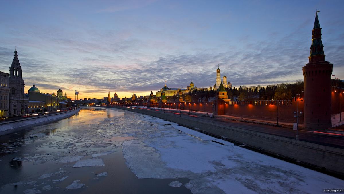 2011 Москва Большой Москворецкий мост, Вид на Кремль, вечер