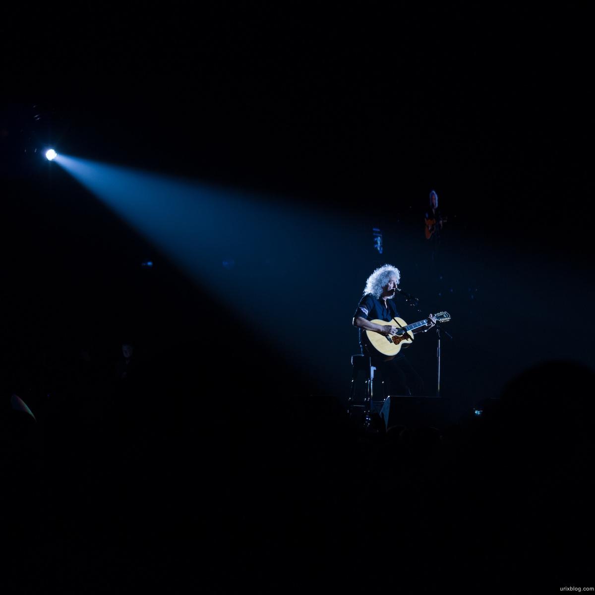 2012 Queen Adam Lambert Moscow photo