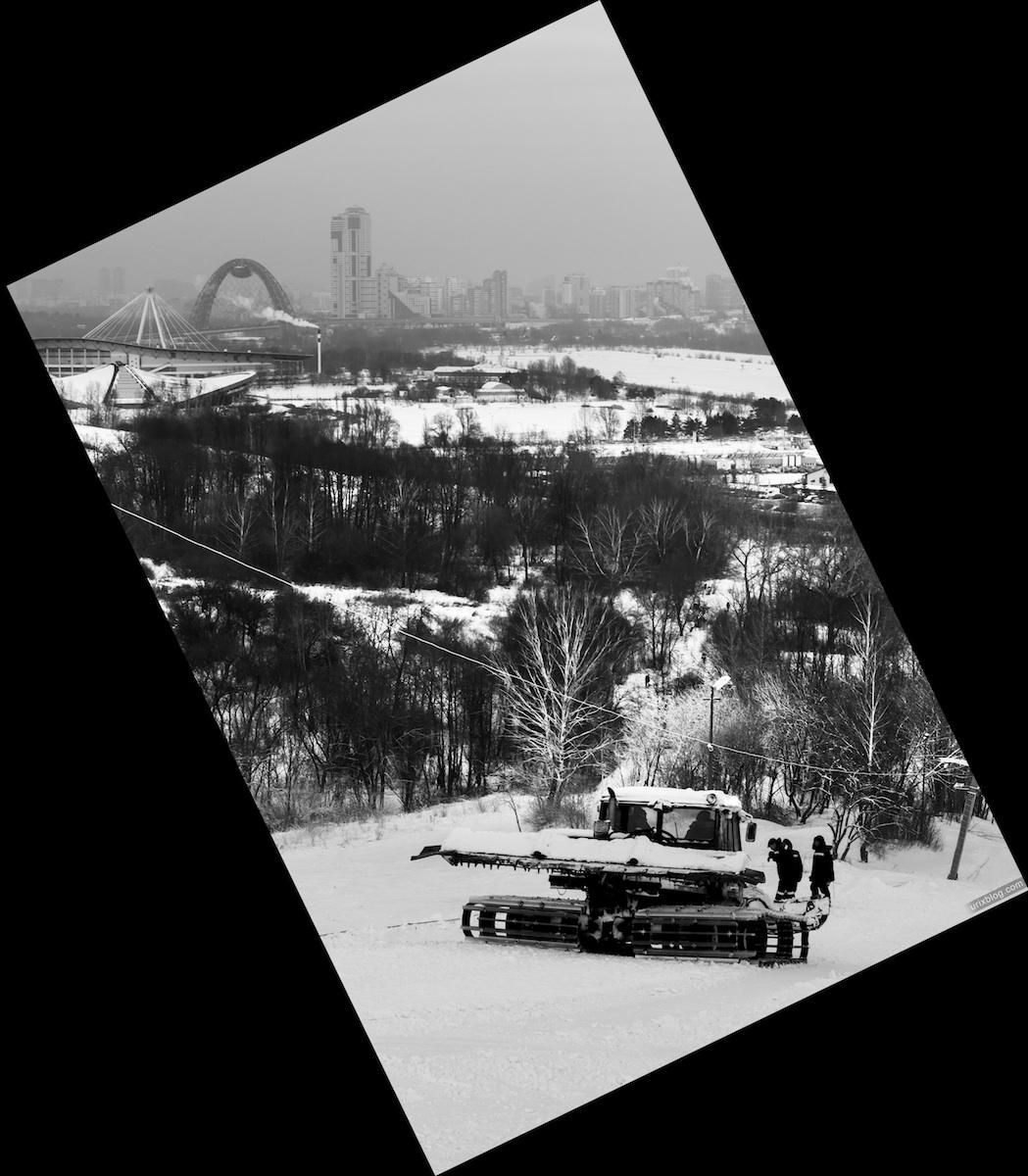 2012, Крылатские холмы, Живописный мост, Москва, Россия, Зима, снег, трактор, лыжная горка