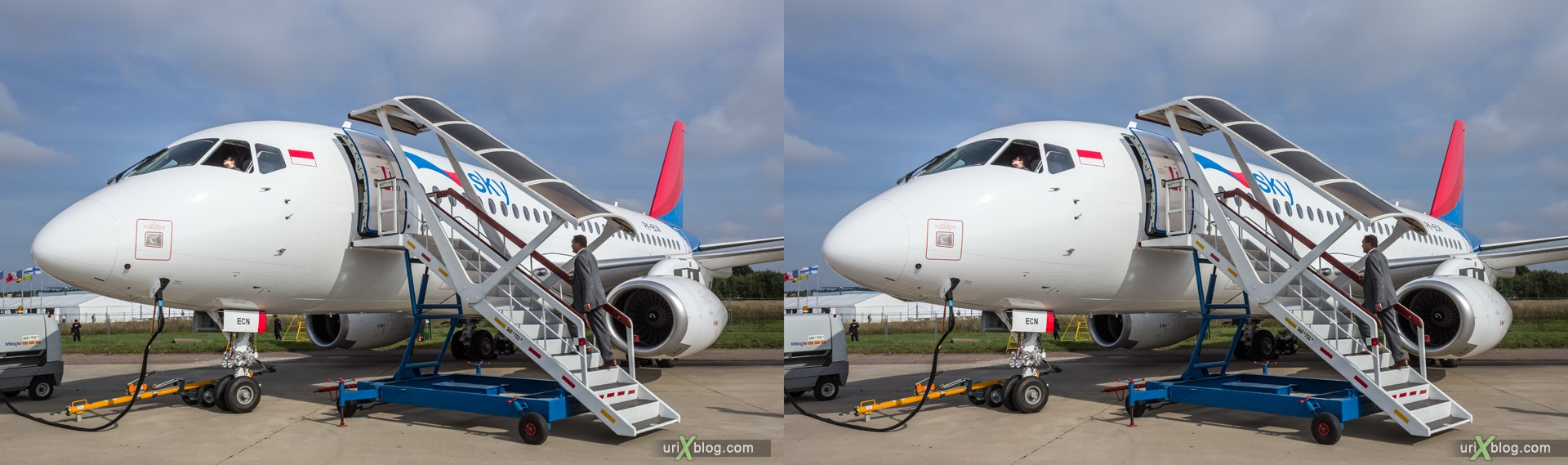 2013, Sukhoi Superjet-100, MAKS, International Aviation and Space Salon, Russia, Ramenskoye airfield, airplane, 3D, stereo pair, cross-eyed, crossview, cross view stereo pair, stereoscopic