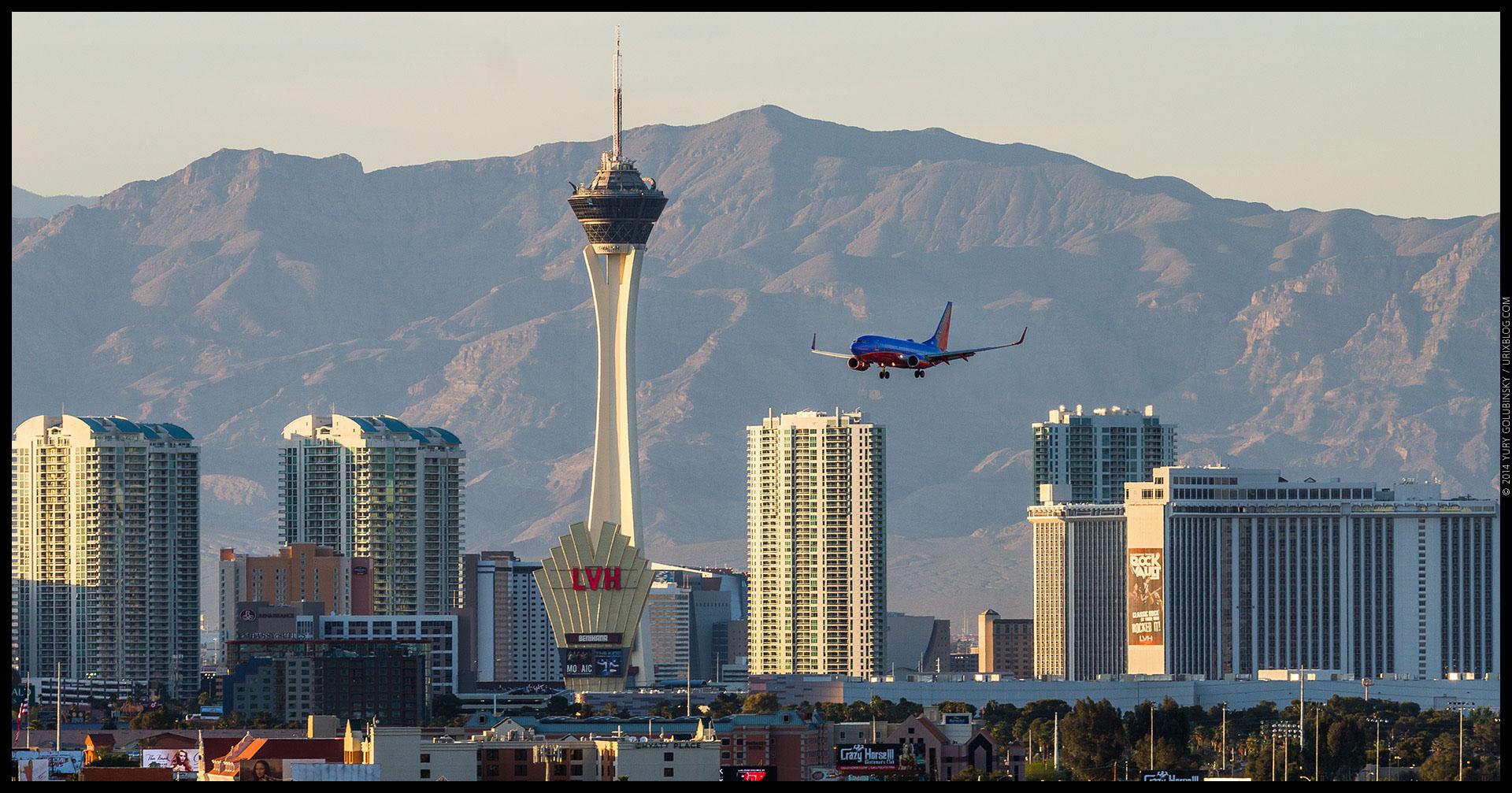 Stratosphere tower, casino, hotel, mountains, landing airplane, 2014, LAS, Las Vegas McCarran International airport, strip, LV, Clark County, USA, Nevada, panorama, horizon, city