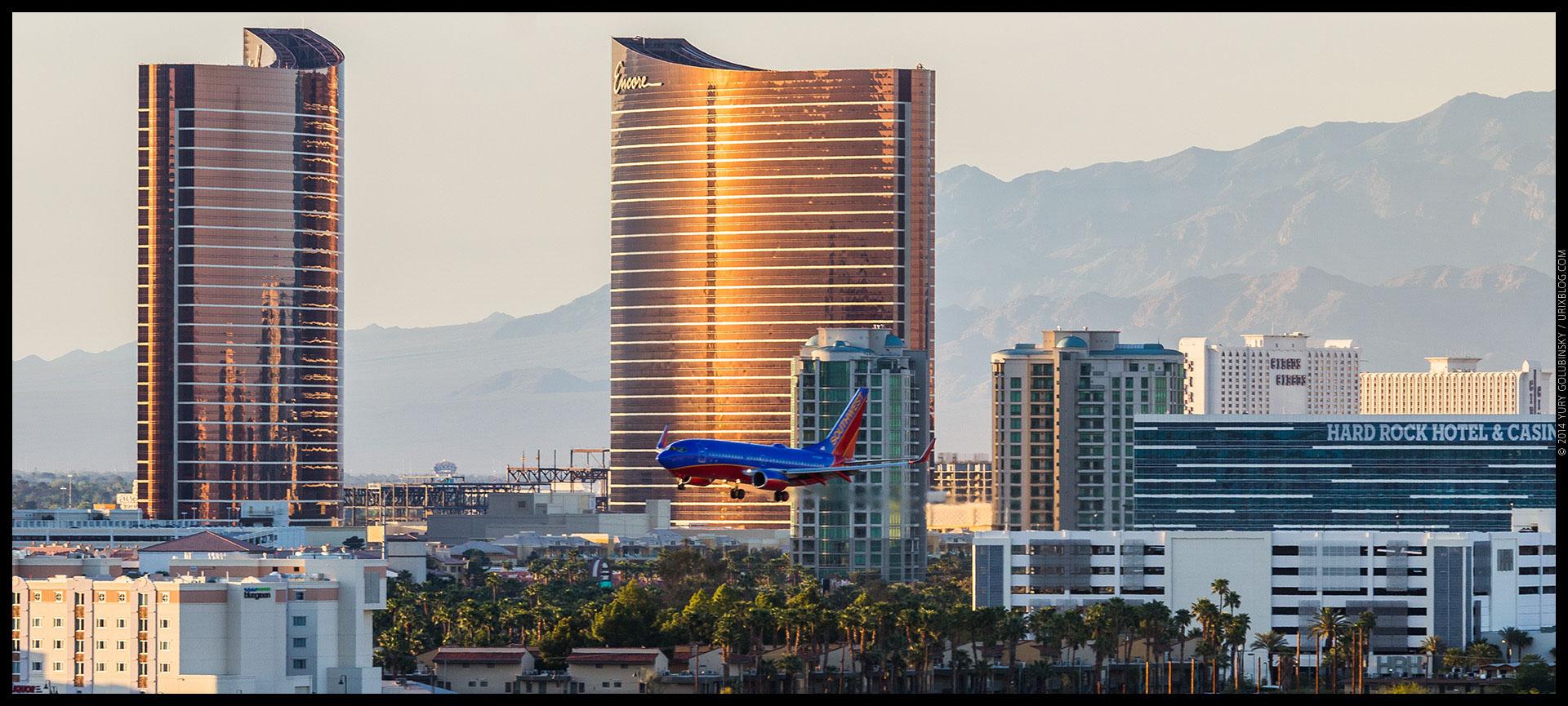 landing airplane, Encore hotel, casino, 2014, LAS, Las Vegas McCarran International airport, strip, LV, Clark County, USA, Nevada, panorama, horizon, city