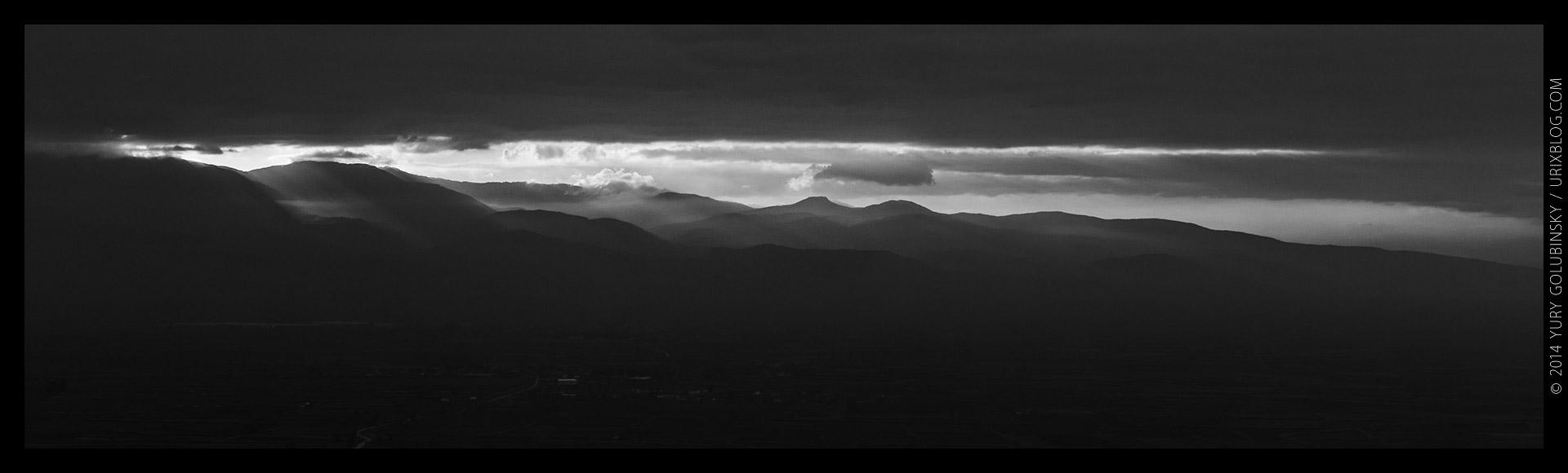 Иераполис, закат, вечер, облака, горизонт, старинный, античный, восточный, римский, греческий, город, полис, руины, раскопки, византия, империя, Дэнизли, Турция, панорама, чб, чёрно-белый, 2014