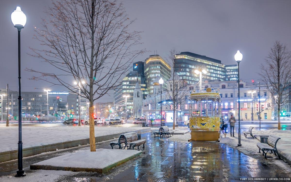tram, streetcar, Belorussky train station, Tverskaya Zastava square, White square, new year, winter, snow, night, Moscow, Russia