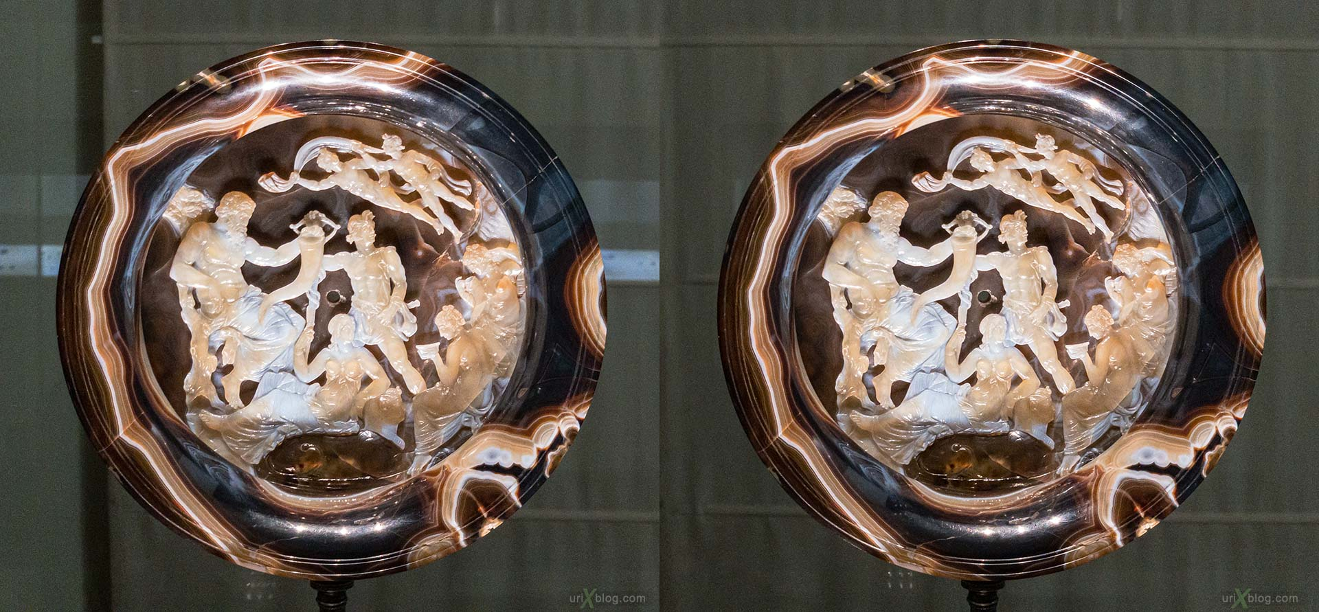 Farnese Cup, plate, National Archaeological Museum of Naples, ancient Rome, Pompei, exhibition, Naples, Italy, 3D, stereo pair, cross-eyed, crossview, cross view stereo pair, stereoscopic