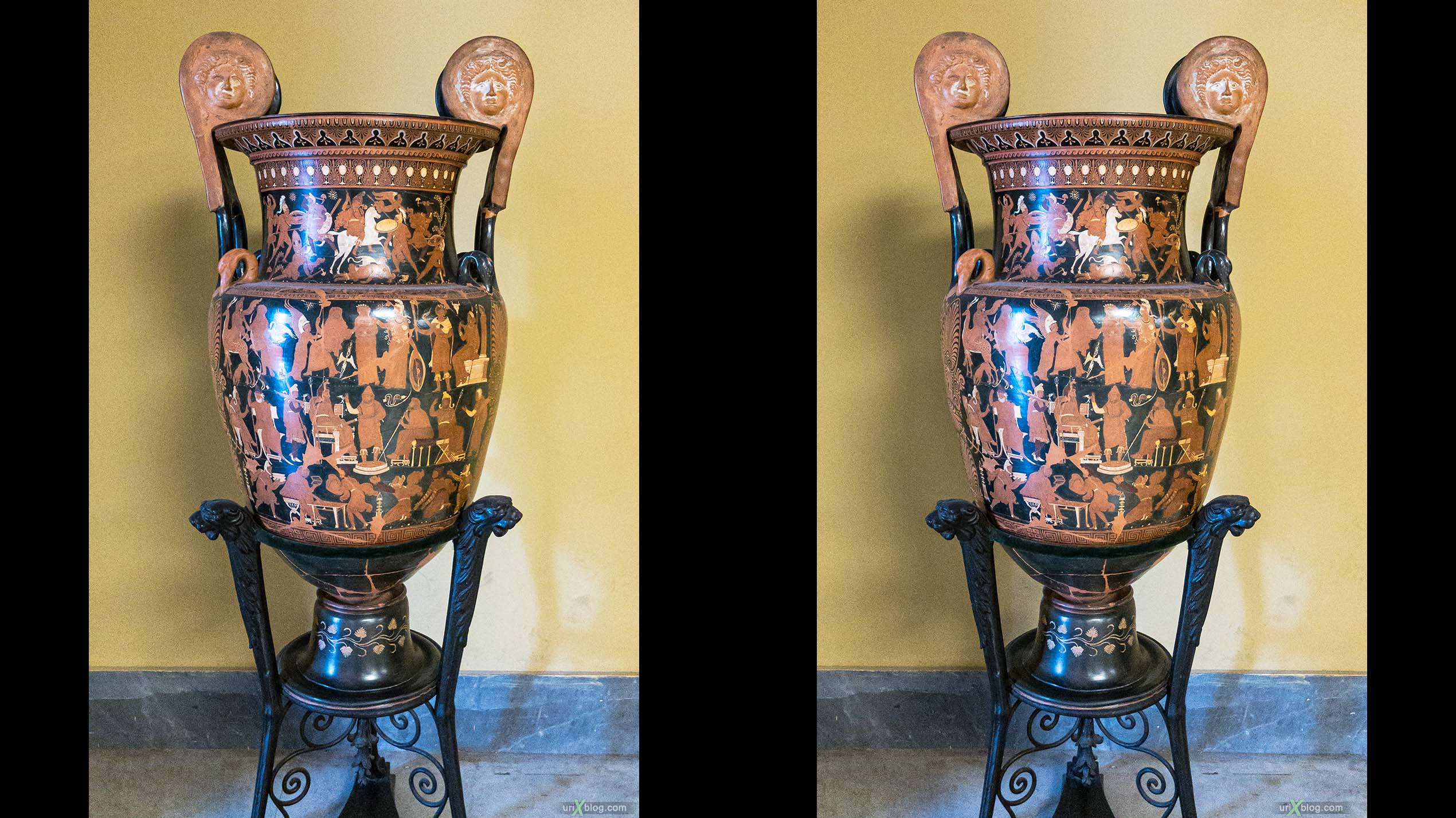 vase, amphora, National Archaeological Museum of Naples, ancient Rome, Pompei, exhibition, Naples, Italy, 3D, stereo pair, cross-eyed, crossview, cross view stereo pair, stereoscopic