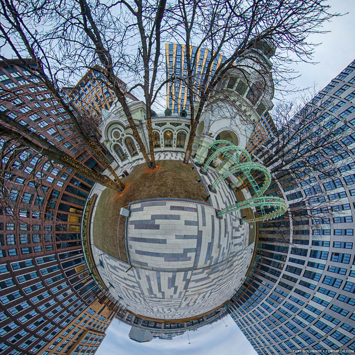 Ресторан Паризьен, ЖК Царская Площадь, маленькая планета, панорама, Москва, Россия, 2020