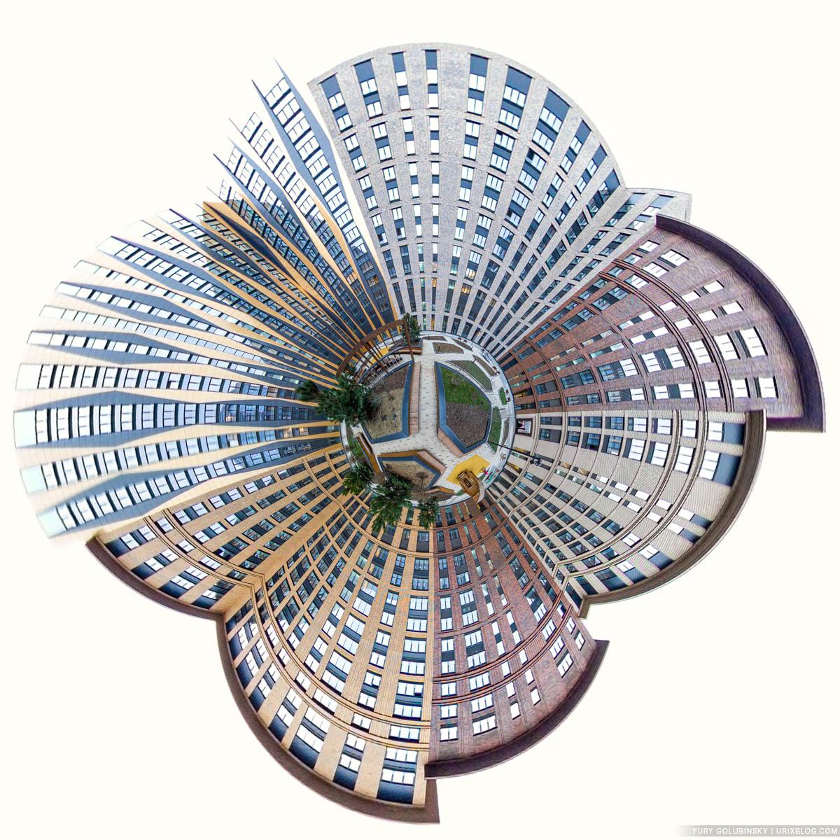 Двор-колодец, Петровский корпус, ЖК Царская Площадь, маленькая планета, панорама, Москва, Россия, 2020