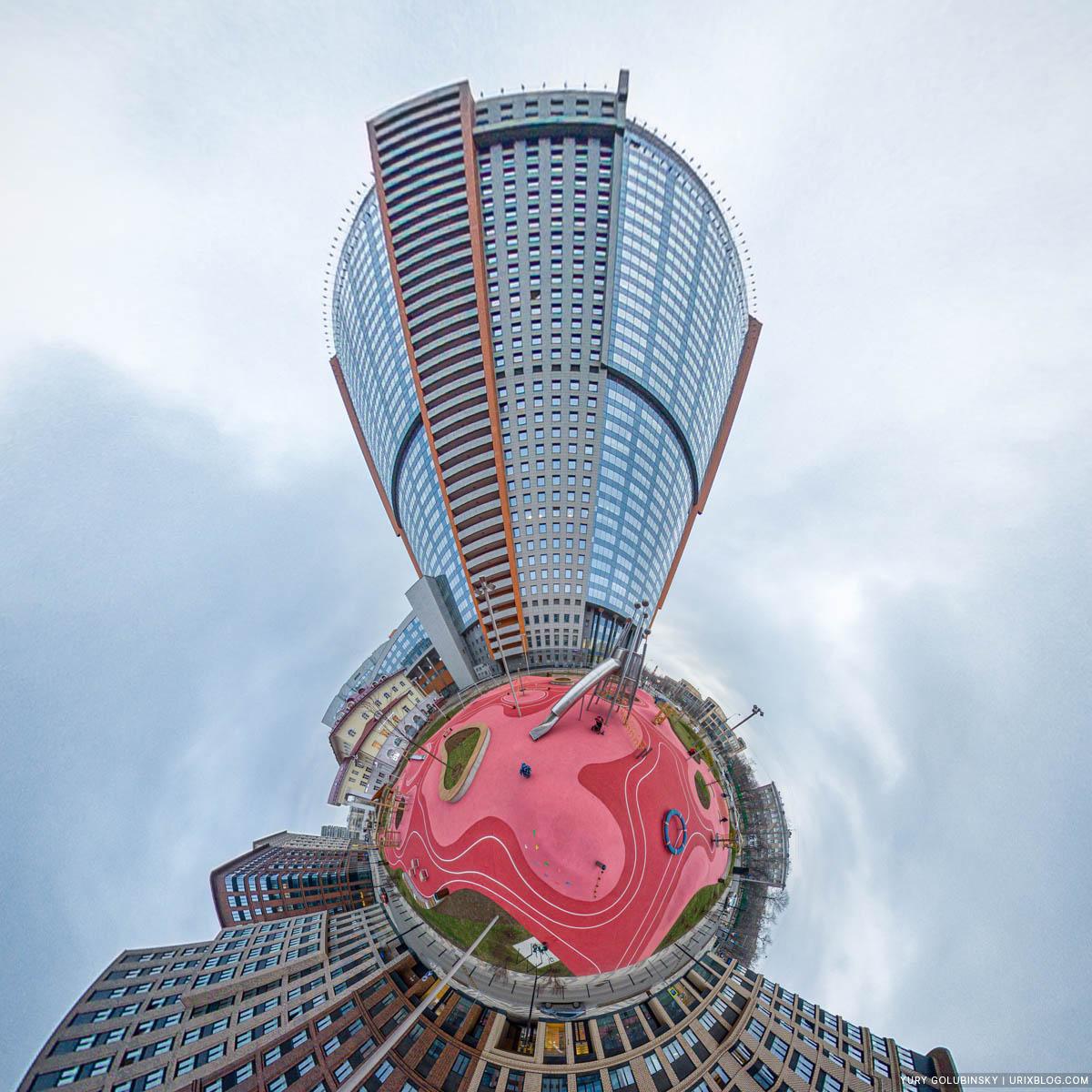 Детская площадка, ЖК Царская Площадь, маленькая планета, панорама, Москва, Россия, 2020