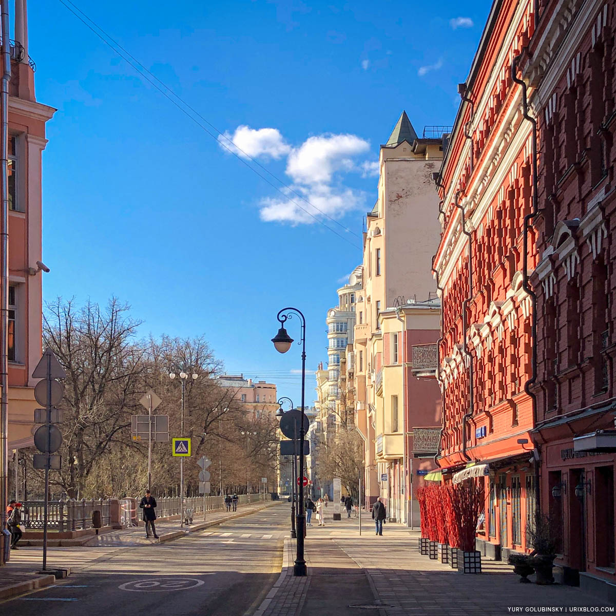 Malaya Bronnaya, Patriarch Ponds, empty streets, quarantine, self-isolation, Moscow, Russia
